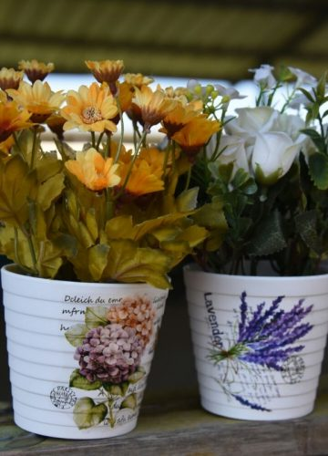 קריטריונים לבחירת פרחים מלאכותיים: מחיר, מראה ועוד