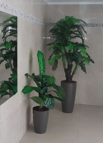 צמחיה מלאכותית ללובי בניין בנתניה