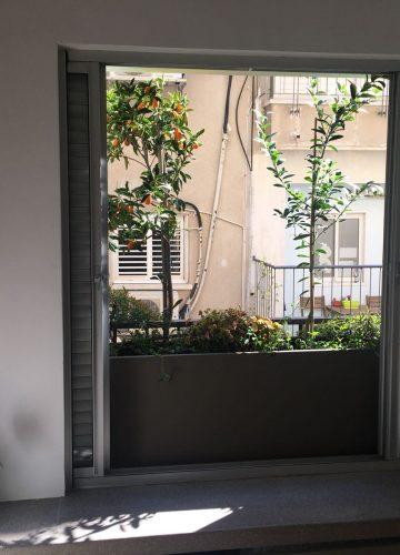 עיצוב אדנית בחדר שינה בלב תל אביב
